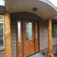 Asian Entry by Aloha Home Builders