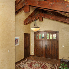 Traditional Entry by Rockridge Building Company