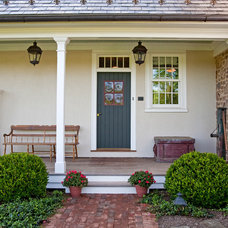 Farmhouse Porch by Worthington Custom Builder Inc.