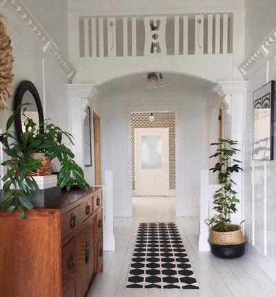 Scandinavian Entrance by MintSix Interiors