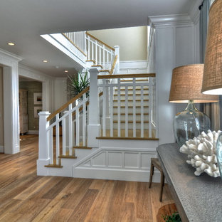 Example of a classic entryway design in Orange County