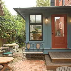 Traditional Entry by Pine Street Carpenters & The Kitchen Studio