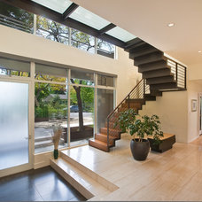 Contemporary Entry by Ohashi Design Studio
