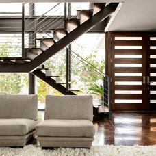 Contemporary Entry by Stocker Hoesterey Montenegro