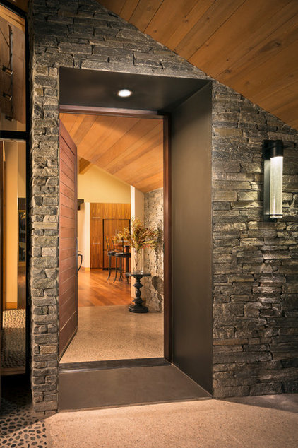 Transitional Entry by Shelterwerkes Architecture