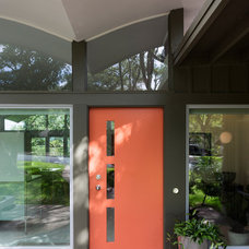 Midcentury Entry by Rick & Cindy Black Architects