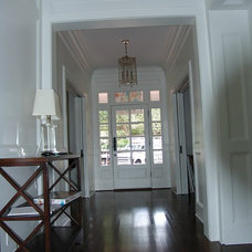 Traditional Entry by Bay Harbour Homes, LLC