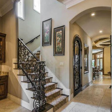 Mediterranean Entry by Housetrends Magazine