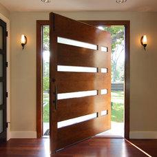 Contemporary Entry by Shoberg Custom Homes