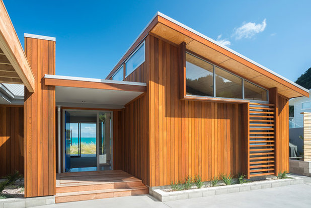 Contemporary Entry by Redbox Architects