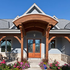 Traditional Entry by Carstensen Homes
