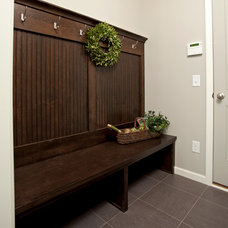 Traditional Entry by Robert Thomas Homes