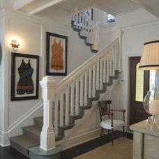 Traditional Entry by Jordan Design Studio, Ltd.