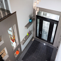 contemporary entry by Prominent Homes Ltd