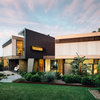 Houzz Tour: Sparkling Emerald Beach House for Holidays and Beyond