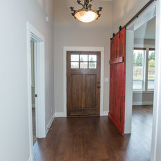 Traditional Entry by Curtis Homes