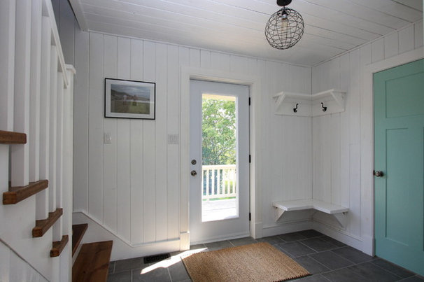 Rustic Entry by White Pine Lumber