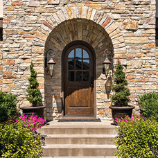 Traditional Entry by Boyer Building Corporation