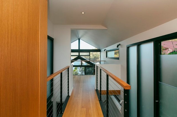 Contemporary Entry by Emma Holmes Design