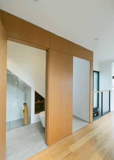 Contemporary Entrance by Emma Holmes Design