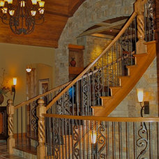 Traditional Entry by B.L. Rieke Custom Home Builders