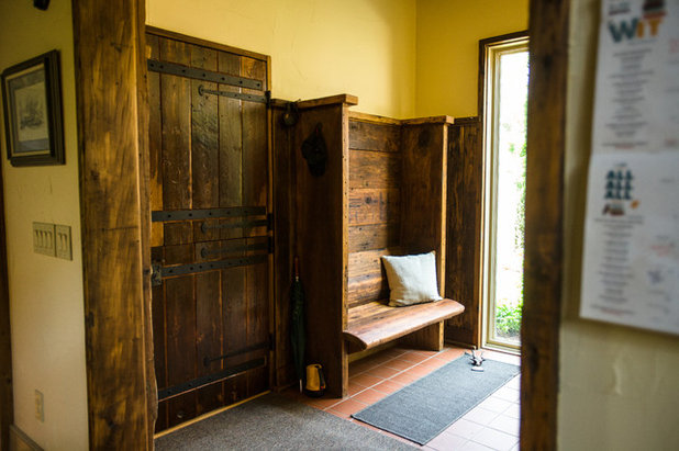 Rustic Entry by Wilmes & Associates Architects