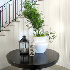 Beach Style Entry by Tara Bussema - Neat Organization and Design