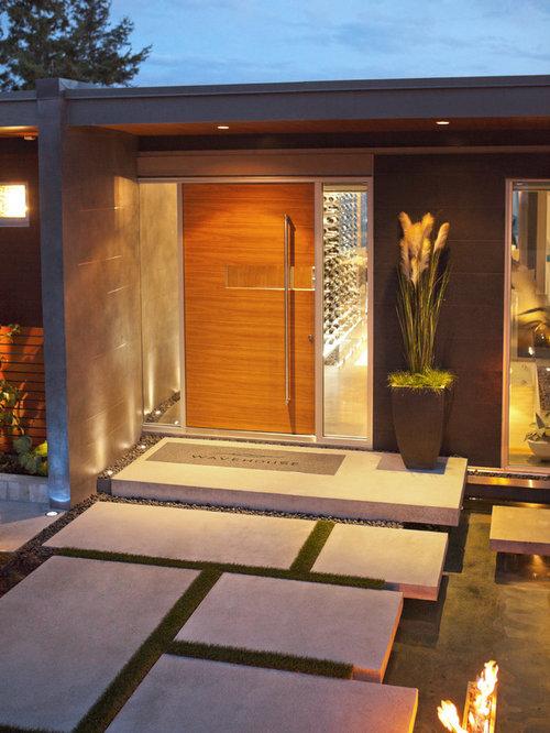 eingang mit dreht r und haust r hauseingang eingangsbereich gestalten houzz. Black Bedroom Furniture Sets. Home Design Ideas