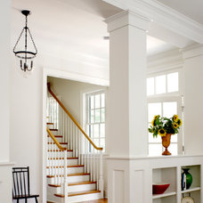 Farmhouse Entry by Rosney Co. Architects