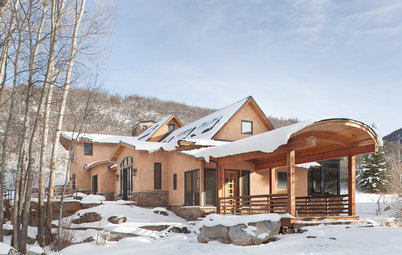 Field Trip: The Beauty of Straw-Bale Homes