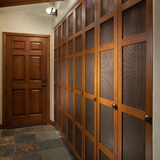 Traditional Entry by Manchester Architects, Inc.