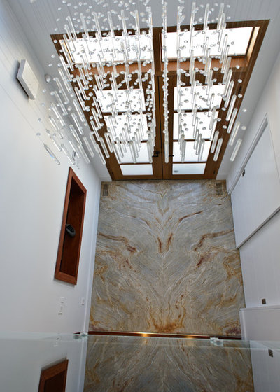 Contemporary Entry by TorontoGranite.com