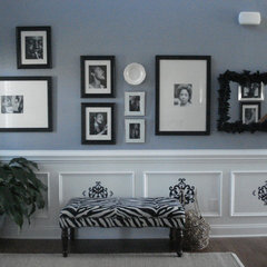 traditional entry Gallery Wall Entry Way