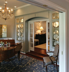 traditional entry by Ernesto Garcia Interior Design, LLC