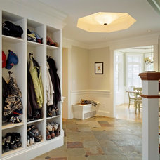 Traditional Entry by Jan Gleysteen Architects, Inc