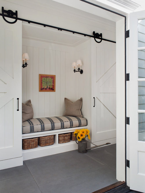 Hanging barn doors ideas pictures remodel and decor for Hanging barn door in house