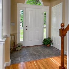 Traditional Entry by Mitchell Construction Group