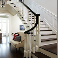 Traditional Entry by Tiburon Homes LLC
