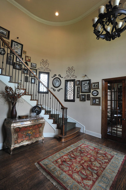 Traditional Entry by True Interiors, LLC