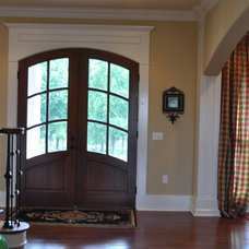 Traditional Entry Traditional home