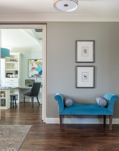 Transitional Entry by Nicole Arnold Interiors