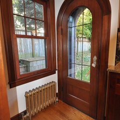 traditional entry by Ventana Construction LLC