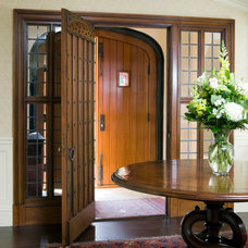 Traditional Entry by 1 plus 1 design