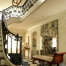 Traditional Entry by Dillard Pierce Design Associates