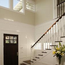 Traditional Entry by Shigetomi Pratt Architects, Inc.