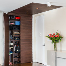 Contemporary Entry by INS CONTRACTORS