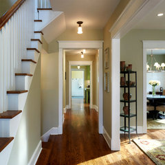traditional entry by Moore Architects, PC
