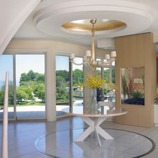 Modern Entry by Jorge Castillo Design Inc.