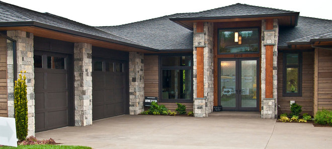 Contemporary Entry by KGO STONE, The Natural Stone Company