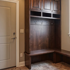 Traditional Entry by M & M Home Contractors Inc
